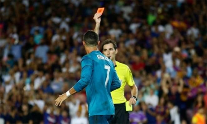 SỐC: Ronaldo đối mặt án treo giò đến 12 TRẬN do đẩy trọng tài
