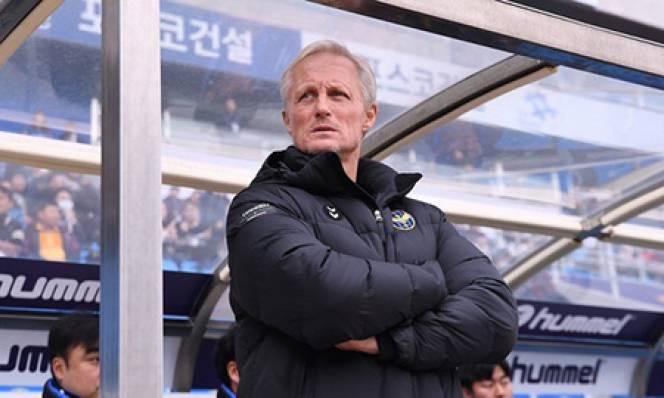 HLV Incheon: 'Công Phượng sẽ sớm nằm trong kế hoạch của tôi'