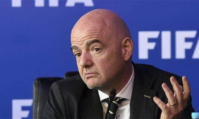 FIFA cảnh báo cầu thủ dự Super League sẽ bị cấm đá World Cup