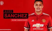 """CHỤP TRỘM: Sanchez mặc áo số 7 chụp ảnh """"tự sướng"""" ở Old Trafford"""