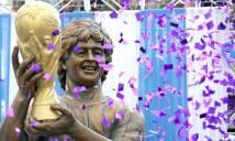 HÀI HƯỚC: Tượng Maradona bị chê giống... Roy Hodgson