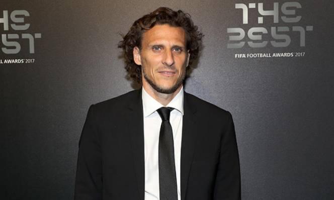 38 tuổi, Quả bóng vàng World Cup 2010 vẫn dễ dàng tìm CLB mới