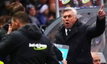 SỐC: HLV Ancelotti  bị CĐV Hertha Berlin sỉ nhục sau trận hòa kịch tính