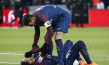 Phẫu thuật thành công, Neymar chống nạng hớn hở về nhà