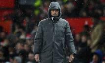 Mourinho ra quyết định kỳ quặc trong lúc 'dầu sôi lửa bỏng'