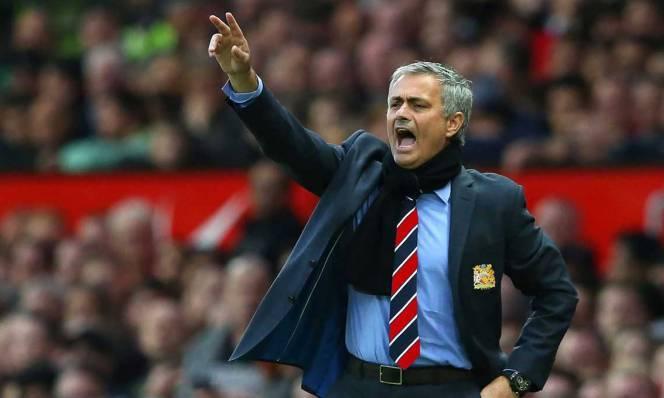 Man Utd: Hãy làm Mourinho hạnh phúc