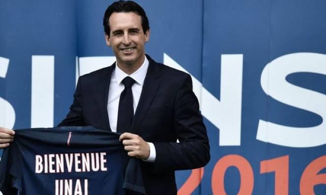 HLV Unai Emery: 'Hãy quên Ibrahimovic đi'