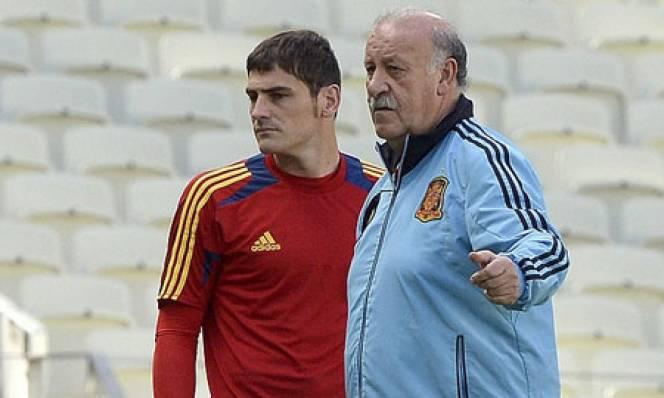Del Bosque đau đớn khi phải để Casillas ngồi dự bị