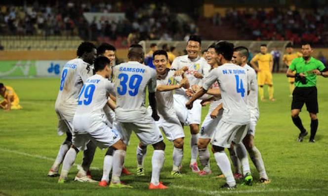CLB Hà Nội đứng đầu BXH lượt đi V.League: Bản lĩnh nhà ĐKVĐ