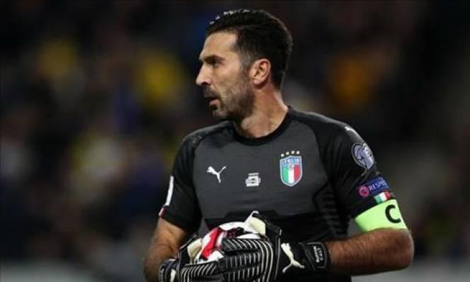Buffon kêu gọi CĐV Italia đoàn kết trước thời khắc sinh tử