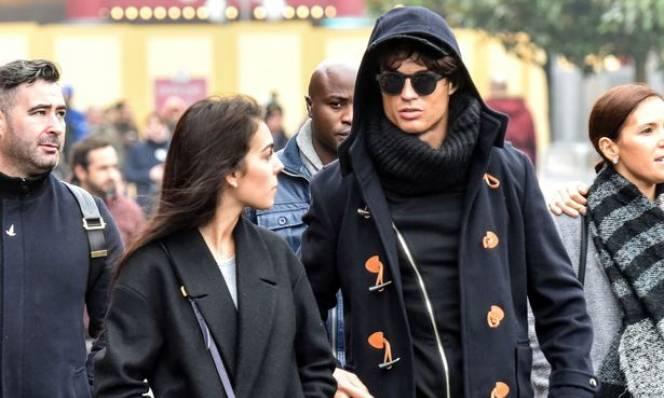 Ronaldo 'đánh ghen' trên mạng xã hội