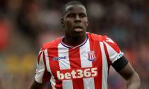 Sắp trở về Chelsea, Zouma vẫn hết mình tại Stoke