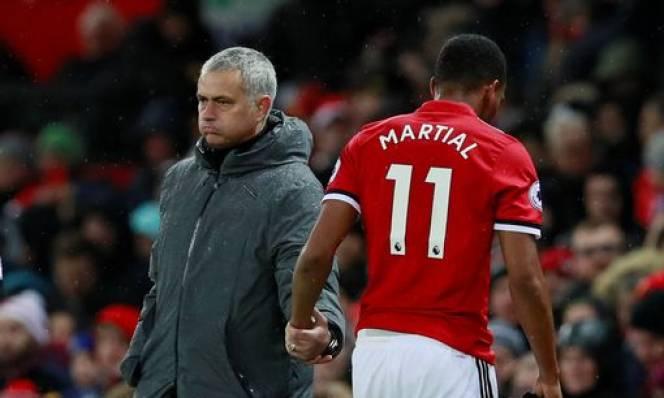 Người hâm mộ MU đòi sa thải Mourinho nếu bán Martial