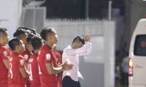 """Công Vinh lại xin lỗi, HLV Miura """"chuyền bóng"""" cho trọng tài"""