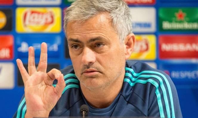Mourinho hứa đưa M.U trở lại đỉnh vinh quang