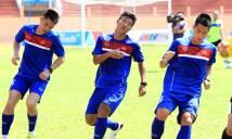 Cầu thủ U20 Việt Nam suýt ngất trên sân tập