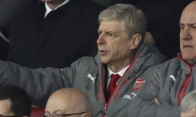 Tan nát trước Chelsea, Wenger từ bỏ giấc mơ vô địch