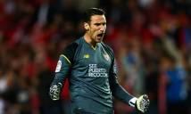 Tìm người thay thế Cech, Arsenal 'ngắm' tuyển thủ Tây Ban Nha