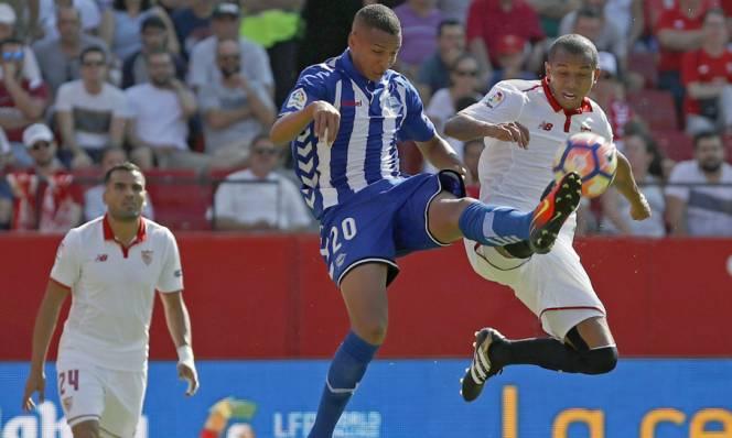 Sảy chân trước Alaves, Sevilla gặp khó trong việc cạnh tranh ngôi đầu bảng