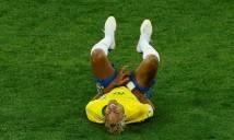 Nóng: Neymar có nguy cơ sớm chia tay World Cup vì dính nhiều đòn trước Thụy Sĩ