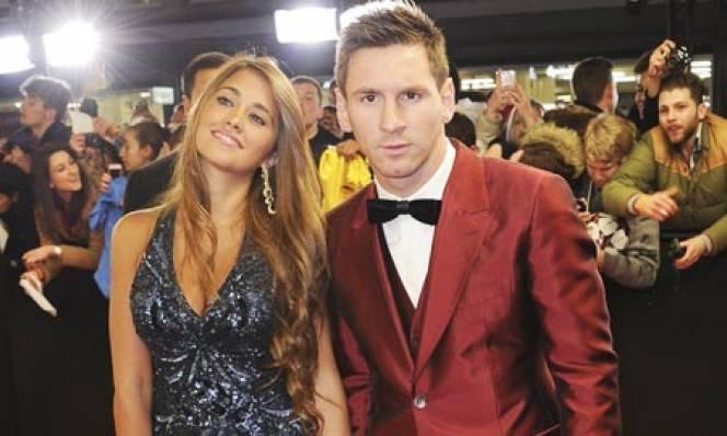 Messi sẽ làm 2 đám cưới trong mùa Hè 2017