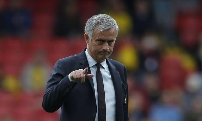 Mourinho ra 'tối hậu thư' với sao MU