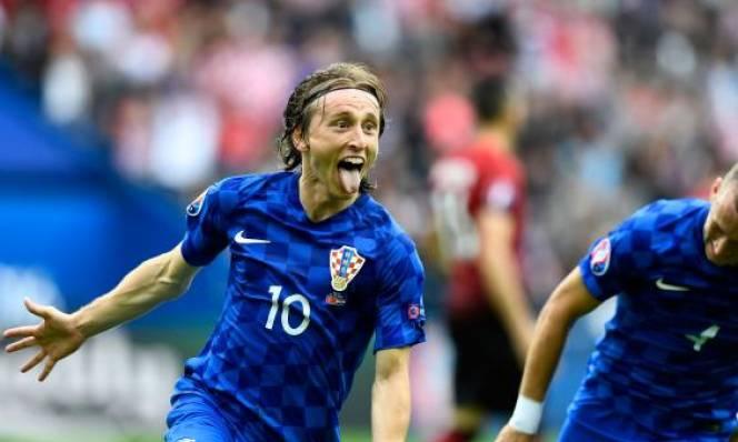 CH Séc vs Croatia, 23h00 ngày 17/06: Chờ thêm một tấm vé