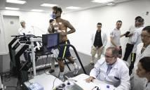 Neymar bị kiểm tra thể lực gắt gao trước khi ra sân tập cùng tuyển Brazil