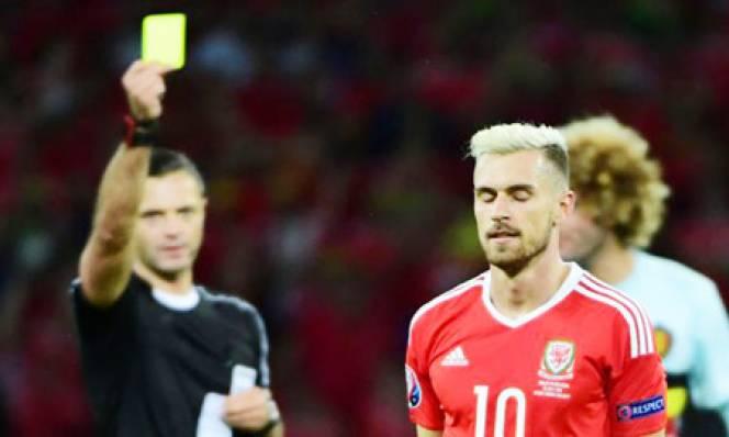 UEFA nên sửa quy định về treo giò