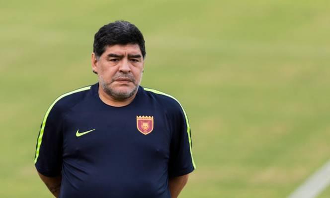 Diego Maradona bị bắt vì quỵt tiền