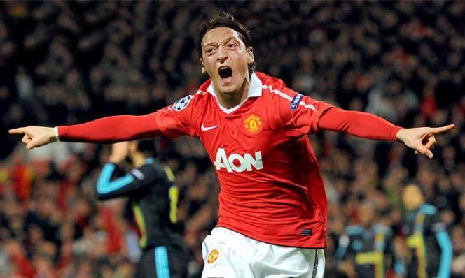 HLV Wenger nói gì về thương vụ chuyển nhượng Ozil sang Man United?
