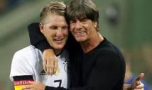 Joachim Löw chỉ trích Mourinho vì để Schweinsteiger ra đi