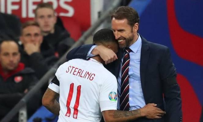 Sterling lần đầu được trao băng thủ quân trong trận gặp Hà Lan