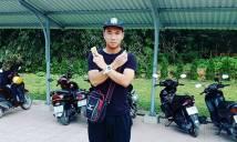 """Nghỉ Tết, """"người hùng"""" U20 Việt Nam ở nhà giữ xe"""
