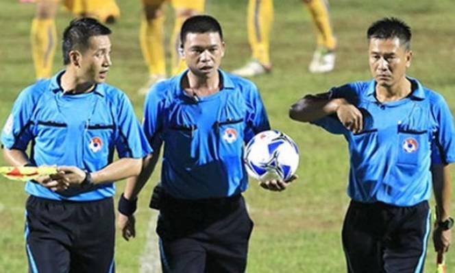 """Điểm tin bóng đá Việt Nam tối 15/5: Tiết lộ mức lương """"khủng"""" của trọng tài V-League"""