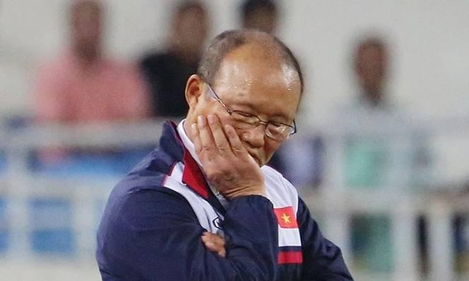 HLV Park Hang-seo chứng minh biệt danh 'Người ngủ gật' là có thật tại Mỹ Đình