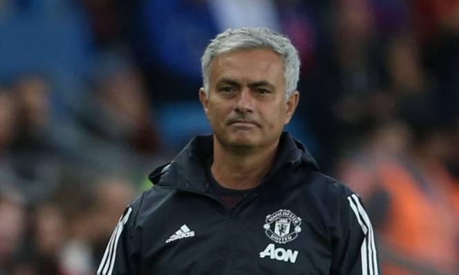 Victor Lindelof được Mourinho khen ngợi