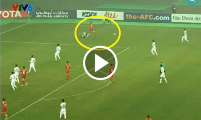 VIDEO: Văn Hậu và pha tắc bóng mang thương hiệu Philipp Lahm cứu rỗi U23 VN