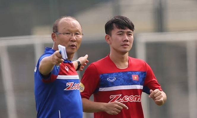 HLV Park Hang Seo bối rối khi gọi tên học trò ở tuyển Việt Nam