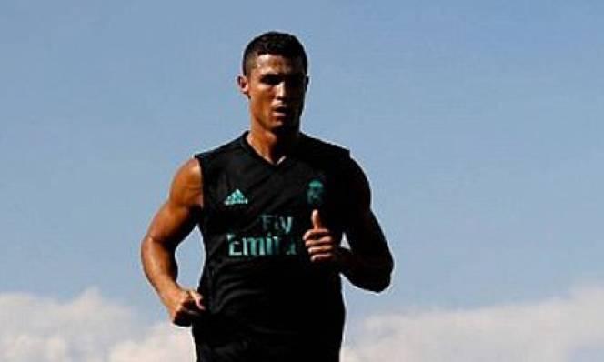 Ronaldo trở lại tập luyện, miệt mài rèn thể lực