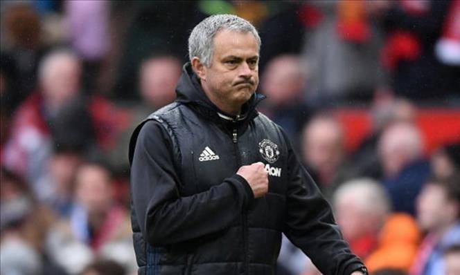 Giúp MU 'lột xác', Mourinho sắp được thưởng lớn