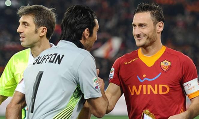 Buffon chính thức cân bằng thành tích của Totti