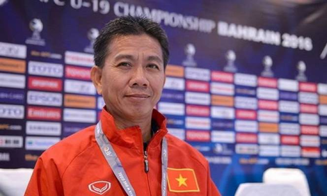 VFF nói dối hay HLV Hoàng Anh Tuấn 'trốn' U22 Việt Nam?