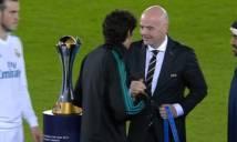 Cầu thủ Real xin xỏ chủ tịch FIFA chiếc huy chương Club World Cup