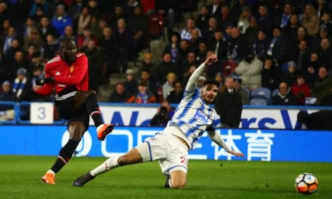 KẾT QUẢ Huddersfield - MU: Sát thủ 'vào phom', cú đúp mãn nhãn