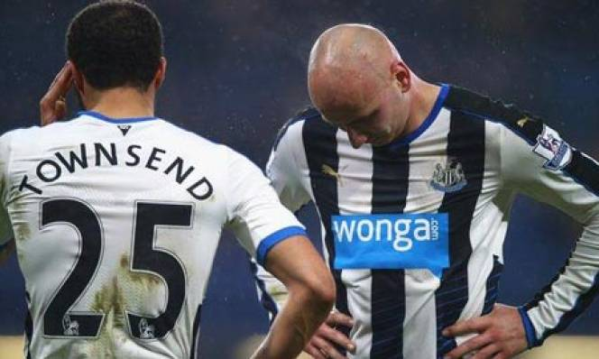 Newcastle xuống hạng: Niềm tin sai chỗ & cuộc tháo chạy nhãn tiền