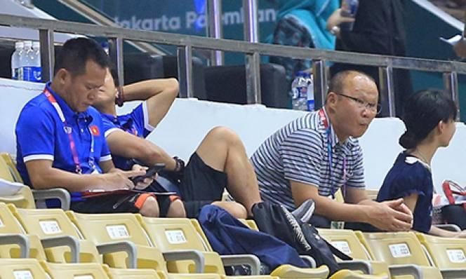 Thầy Park bỏ ăn tối, xem giò Olympic Nhật Bản
