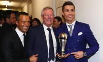 Những khoảnh khắc khó quên trong ngày Ronaldo 'đứng trên đỉnh thế giới'