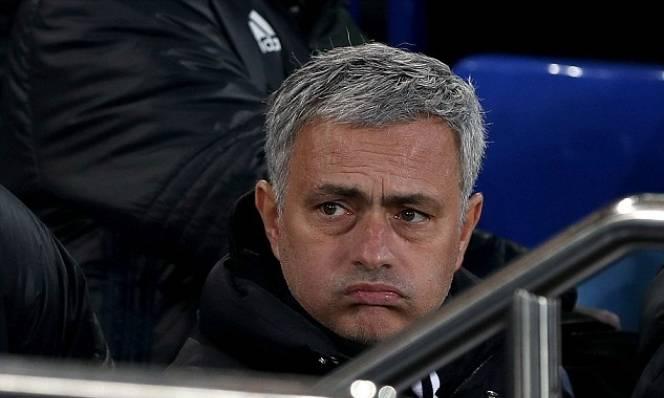 MU của Mourinho ở gần nhóm xuống hạng hơn vị trí đầu bảng