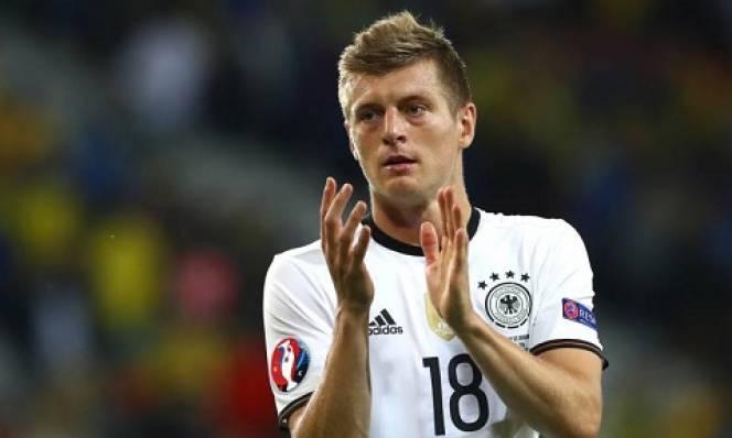 Toni Kroos nói gì sau khi toả sáng giúp Đức đánh bại Ukraine?